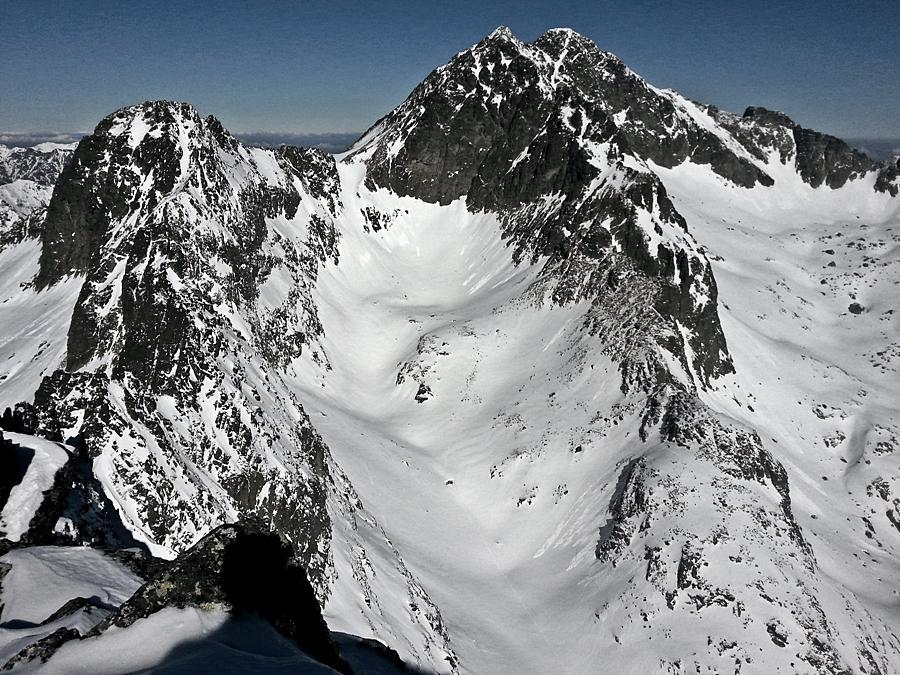 Mały Lodowy Szczyt, Lodowa Przełęcz, Kopa Lodowa, Lodowy Szczyt i Lodowa Grań ze szczytu Pośredniej Grani.