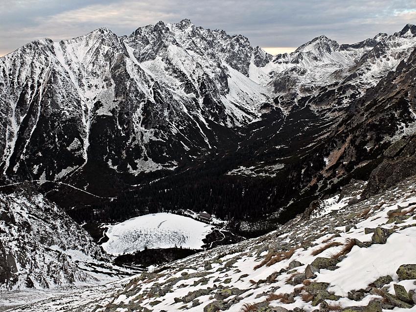 Zejście na Przełęcz pod Osterwą.