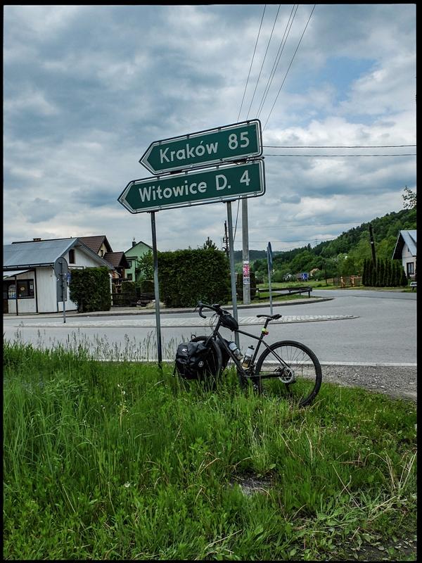 Rożnów, 100-tny km trasy, do Krakowa jeszcze 85 km.